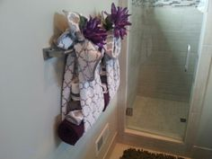 Fabulous idea for a guest bathroom! Cute towels can hold linen necessities for company! Home #28 finsand development