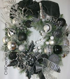 Black and Silver Christmas Wreath, via Flickr.