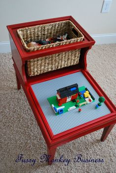 Great little Lego table upcycle.  I think I'd make a cover for the Lego mat to use as a side-table when not being played with.  And make a few other same size inserts for tic-tac-toe or other games that may be fun in the future.