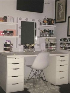 Mel ♡ - Make-up-Zimmer Cute Bedroom Ideas, Cute Room Decor, Girl Bedroom Designs, Teen Room Decor, Room Ideas Bedroom, Bedroom Decor, Design Bedroom, Bedroom Storage, Girls Bedroom