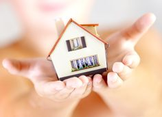 Der Traum vom Fliegen ist der wahrscheinlich einzige, der noch älter ist, als der Traum vom Eigenheim. Für die meisten von uns steht dann auf der Agenda, eine Immobilie zu erwerben. Doch ein Immobilienerwerb kann auch seine Tücken haben... #baufinanzierungsrechner #immobilienerwerb #immoweltde
