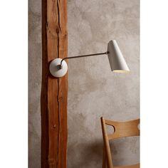 Birdy vegglampe fra Northern Lighting, designet av Birger Dahl. En moderne og minimalistisk lampe so...