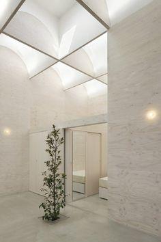 Daylight House by Takeshi Hosaka Architects