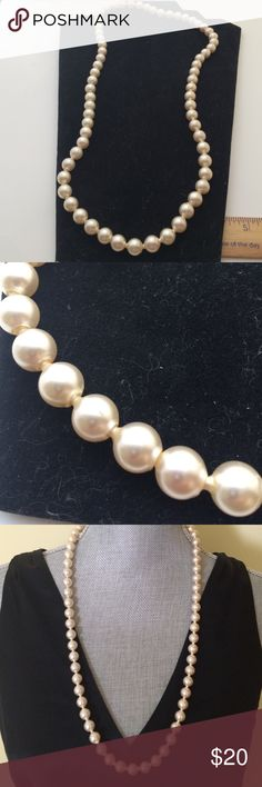 Vintage  pearl necklace Vintage pearl necklace , new condition , 28 inches , very gorgeous necklaces , bundle to save for shipping Vintage Jewelry Necklaces