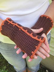 Ravelry: Timber Lily Fingerless Mitts pattern by Erica Jackofsky (Fiddle Knits)