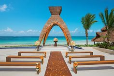 Wedding abroad at Dreams Riviera Cancun http://www.honeymoondreams.co.uk/category/destinations/weddings-abroad/mexico-weddings/