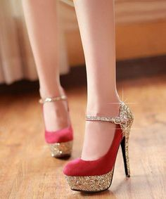 Gold and red closed toe heels – abhl