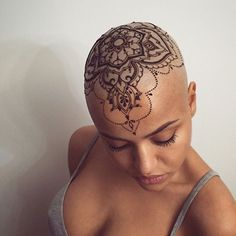 Stunning henna work by @veronicalilu on @abdullabadulla! ✨ - Follow Insta's #1 tattoo page: @inkspiringtattoos