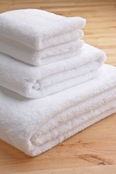 $54.00 4-pc, White, Turkish Towel Set, Plushest Spa Towels Ever! 700 Gram Weight.  From ThirstyTM Towels   Get it here: http://astore.amazon.com/ffiilliipp-20/detail/B0077EZIJA/183-6279898-1343122