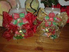 Vela com detalhes em flor de fuxico motivos natalinos. R$ 58,70. Adriana Bolzan Criações...