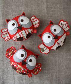felt owls - pic only Felt Owls, Felt Birds, Owl Crafts, Cute Crafts, Sewing Toys, Sewing Crafts, Craft Projects, Sewing Projects, Felt Decorations