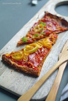 Low Carb Pizza mit Chorizo, Paprika und roten Zwiebeln Slices #rezept #gourmetguerilla.de #lowcarb