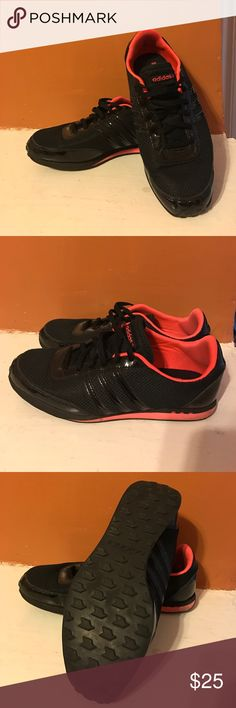 Adidas Sneaker Black-Pink Size 7,5 Selling here my very nice Adidas Sneakers with a Ortholite Inlay. They are very comfortable and look nice. Worn a few times but well taken care off. No tear or broken parts! Just selling cause they are too nice to be in the shoe closet for forever! Adidas Shoes Sneakers