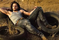 'Game of Thrones': How Kit Harington Became Jon Snow Kit Harington john snow game of thrones rolling stone cover<br> How did a descendant of the British aristocracy transform into America's most unlikely action hero? Kit Harrington, John Snow, Sons Of Anarchy, Slytherin, Jon Schnee, Snow Movie, Game Of Trone, My Champion, My Sun And Stars