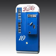 This vintage Pepsi vending machine is extremely rare, and has been carefully restored to chill all your game time bevarages Vintage Coke, Retro Vintage, Games Room Inspiration, Coke Machine, Office Games, Cola Drinks, Air Hockey, Pepsi Cola, Eclectic Games