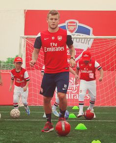 Wilshere Trains With Young Fans During Asian Tour Football 101, Jack Wilshere, European Football, Arsenal Fc, Running Man, Trains, Vietnam, Soccer, Lovers