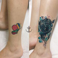 Cobertura realizada por Felipe Bernardes.  Cobertura de uma borboleta por uma rosa no estilo colorido.  #tattoo #tatuagem #art #arte #cobertura #flor #borboleta