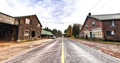 This Ontario Ghost Town Is Perfect For A Creepy Adventure featured image Abandoned Cities, Abandoned Amusement Parks, Abandoned Mansions, Ontario Travel, World Photo, Haunted Places, Future Travel, Ghost Towns, Canada Travel
