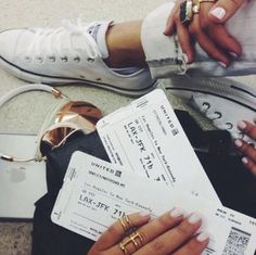 Travel Airport Pictures Ideas For 2019 Adventure Awaits, Adventure Travel, Travel Goals, Travel Tips, Travel Vlog, Photo Voyage, Wanderlust, I Want To Travel, Foto Pose