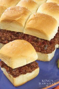 Three ingredients and 15 minutes is all you need for these Sloppy Joe Slider Pull Aparts to go a long way. Chef Recipes, Pork Recipes, Slow Cooker Recipes, Cooking Recipes, Burger Recipes, Slider Sandwiches, Mini Sliders, Eating At Night, Good Food