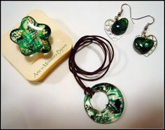 Arte in Miniatura Bijoux Laced Jade Ring Earrings and Necklace