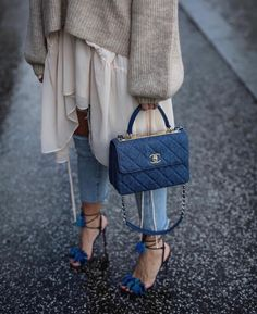 9 Designer Bags Worth the Investment Best Designer bags / fashi. - 9 Designer Bags Worth the Investment Best Designer bags / fashion week street styl - Daily Fashion, Fashion Mode, Womens Fashion, Fashion Trends, Fashion Week, Fashion Details, Looks Street Style, Looks Style, Looks Cool