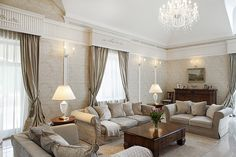 Tradycyjny salon w bieli i beżach