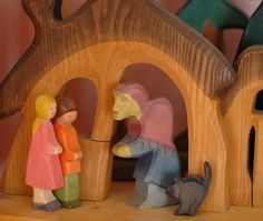 Hänsel and Gretel Play Set- This idea would be cute with Goldilocks and the Three Bears!