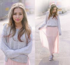 Pleated Maxi Skirt and Sneakers  /  Forever 21 Maxi Skirt