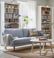 Un canapé bleu et blanc classique, IKEA - Marie Claire Maison