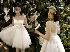 Gorgeous polka dot back Tiki Wedding, Plan My Wedding, Wedding Bride, Dream Wedding, Wedding Stuff, Wedding Ideas, Rockabilly Wedding Dresses, Polka Dot Wedding Dress, 1950s Inspired Fashion