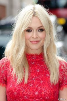Fearne Cotton launches new Very collection: Weekend hair and makeup inspiration Weekend Hair, Hair Day, New Hair, Fancy Hairstyles, Celebrity Hairstyles, Beautiful Hairstyles, Center Part Hairstyles, Centre Parting Hairstyles, Fearne Cotton Hair