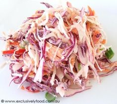 Awesome fresh coleslaw slimming world style Superbe salade de chou fraîche style minceur Slimming World Snacks, Slimming World Syns, Slimming World Recipes, Slimming Eats, Sliming World, Fresco, Sw Meals, Creamy Coleslaw, Healthy Coleslaw