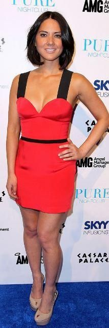 Who made Olivia Munn's red and black dress that she wore in Las Vegas on April 19, 2011? Dress – Jay Godfrey