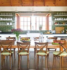 More luscious kitchen ideas for a luxurious cooking and entertaining space in our stylish kitchens photo gallery...