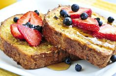 Easy French Toast and Fruit | Make with light toast, egg whites, and top with sugar-free syrup and fresh fruit for a healthy breakfast recipe!