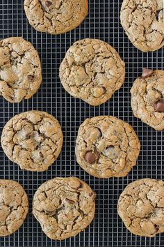 Flourless Oatmeal Almond Butter Chocolate Chip Cookies {Gluten-Free, Dairy-Free} | Meaningful Eats
