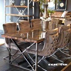 Image may contain: shoes Luxury Dining Room, Luxury Rooms, Dining Room Design, Interior Design Living Room, Living Room Decor, Home Decor Furniture, Dining Room Furniture, Dining Room Table, Esstisch Design