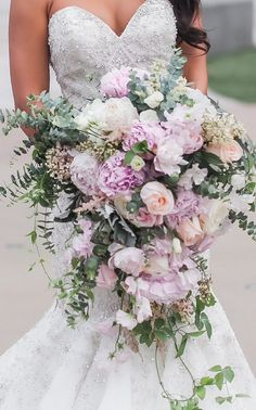 Cascading Wedding bouquet with pink peonies - Casey Hendrickson Photography Bouquet En Cascade, Cascading Wedding Bouquets, Diy Wedding Bouquet, Bride Bouquets, Bridal Flowers, Wedding Bride, Purple Wedding, Floral Wedding, Diy Bouquet Mariage