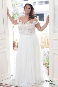 Crop top plus size wedding gown from Studio Levana for a fashion forward curvy bride #PlusSizeWeddingThings