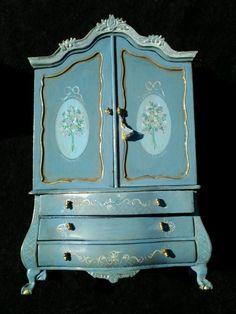 Maritza Moran Miniature Wardrobe w/ Micro Mini Dollhouse Suprise