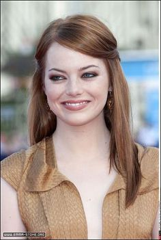 Emma Stone is . Emma Stone Style, Actress Emma Stone, Elegant Sophisticated, Pale Skin, Celebs, Celebrities, Freckles, Redheads, Sexy Women