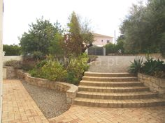 Moradia Isolada com 3 quartos e terrenos com 2640 m2 na zona de Santa Catarina…