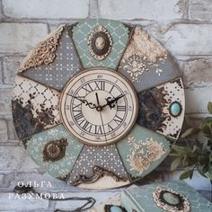 1 million+ Stunning Free Images to Use Anywhere Clock Craft, Diy Clock, Clock Decor, Clock Wall, Wood Crafts, Diy And Crafts, Fancy Watches, Decoupage Art, Wooden Clock