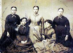 Ketchum Family Old Pictures, Old Photos, Stella Rose, Strange Photos, Daguerreotype, Vintage Photography, Victorian Era, Vintage Images, Family Photos