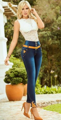 Collection 10 Jeans KB 2018 Spectacular designs and the best finishes. Sexy Jeans, Skinny Jeans, Girl Fashion, Fashion Outfits, Womens Fashion, Moda Casual, Hot Outfits, Girls Jeans, Sexy Hot Girls