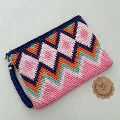 Crochet Wallet, Crochet Purses, Crochet Gifts, Crochet Flower Patterns, Knitting Patterns, Crochet Flowers, Love Crochet, Knit Crochet, Tapestry Crochet