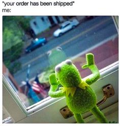 "16 Sassy 'Kermit The Frog' Memes We Definitely Didn't Find On 'The Muppets' - Funny memes that ""GET IT"" and want you to too. Get the latest funniest memes and keep up what is going on in the meme-o-sphere. Funny Kermit Memes, Funny Relatable Memes, Funny Jokes, Hilarious, Funny Comedy, Sapo Meme, Memes Estúpidos, Car Memes, Laugh Out Loud"
