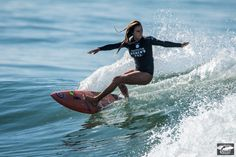 Surf lesson with a hot woman causes confusion between couples Female Surfers, Pro Surfers, Surf Mode, Estilo Jenner, E Skate, Surfing Pictures, Surf Style, Surf Girls, Surfs Up