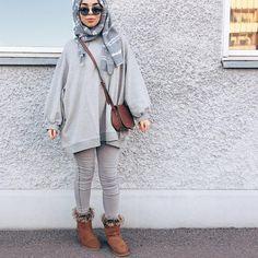 🔆In collaboration with @amourldn @cherryblossomshijab @lamoda 🔆 Sweater&jeans @amourldn Hijab:@cherryblossomhijabs Sunglasse
